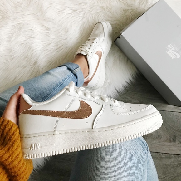 New nike air force 1 low white bronze NWT